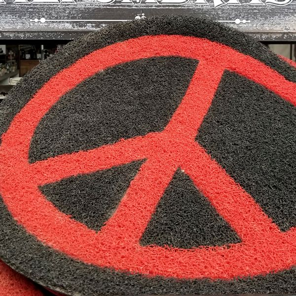 Felpudo Símbolo de la Paz Negro