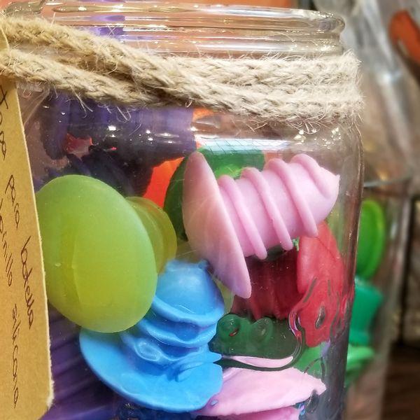 Tapas tornillo para vino de colores surtidos