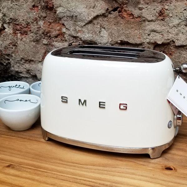 Tostadora SMEG color Crema de 2 tostadas
