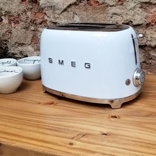 Tostadora SMEG color Celeste de 2 tostadas