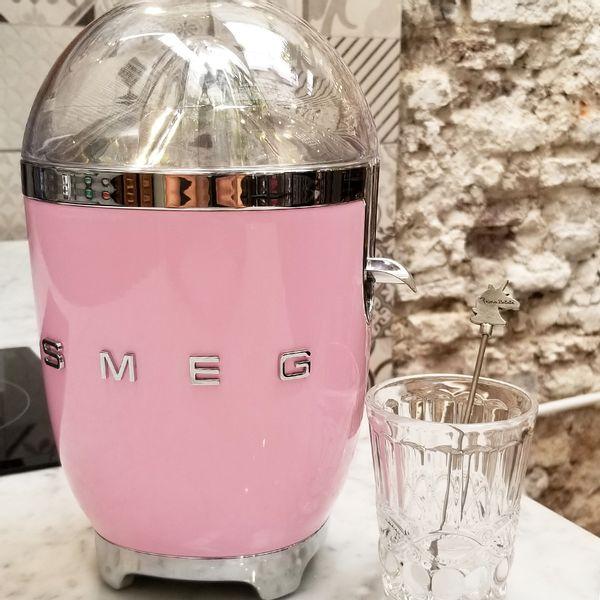 Exprimidor SMEG color Rosa