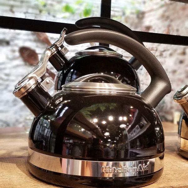 Pava Silvadora KitchenAid Negra de 1,9 litros