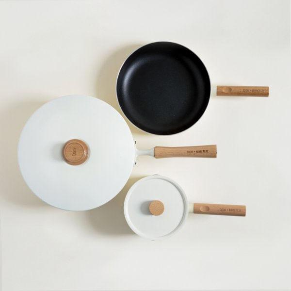 Set de cocina 3 piezas enamel cream y mango de madera
