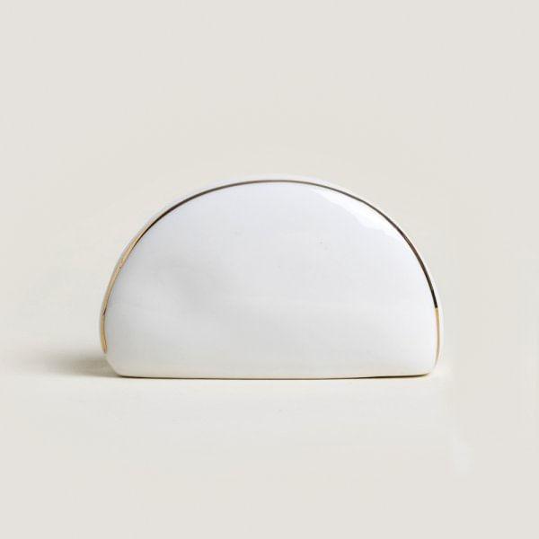 Servilletero de porcelana blanca con detalle en dorado
