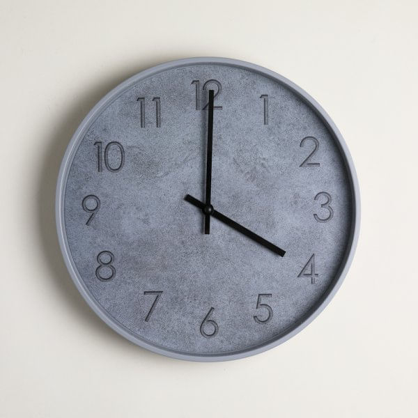Reloj redondo midtown gray 30.5 cm